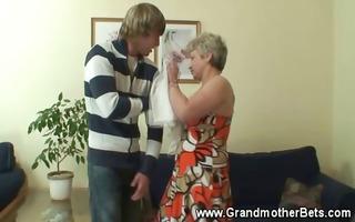 granny seducing younger knob