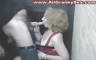 amateur mature mother engulf and fuck