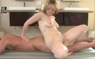 massage sweetheart engulfing on dick for her