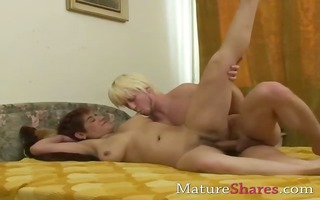 mature chick works pulsating pounder