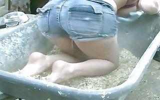 flexible chick shows big enthusiasm