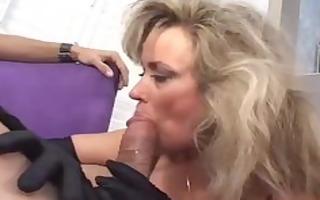 sexy cougar anjelica fox smokin oral job
