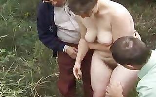 urinate jeune soumise pour vieux pervers 1