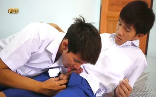 schoolboy void urine play