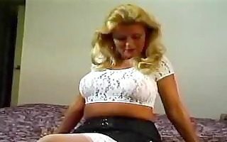 blonde mature mamma can younger chaps